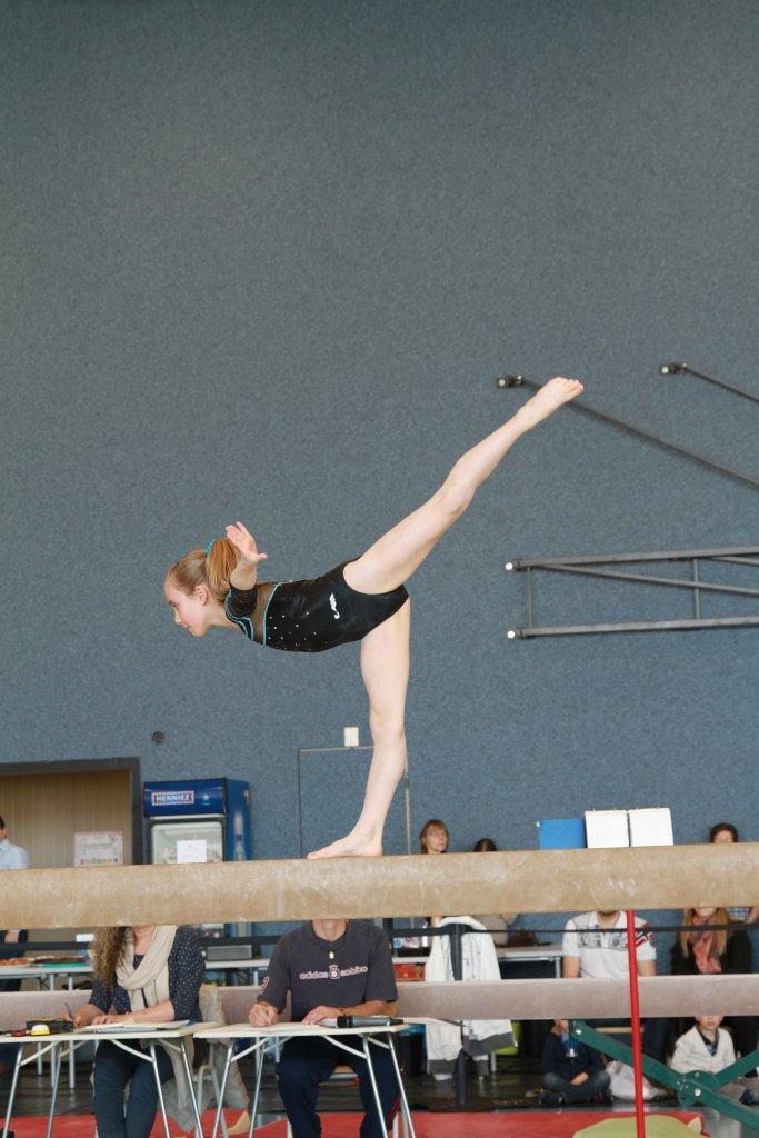 Camille D'Aprile poutre Gym Serrières championnat cantonal 2014 Gymnastique artistique Neuchâtel Maladière Suisse