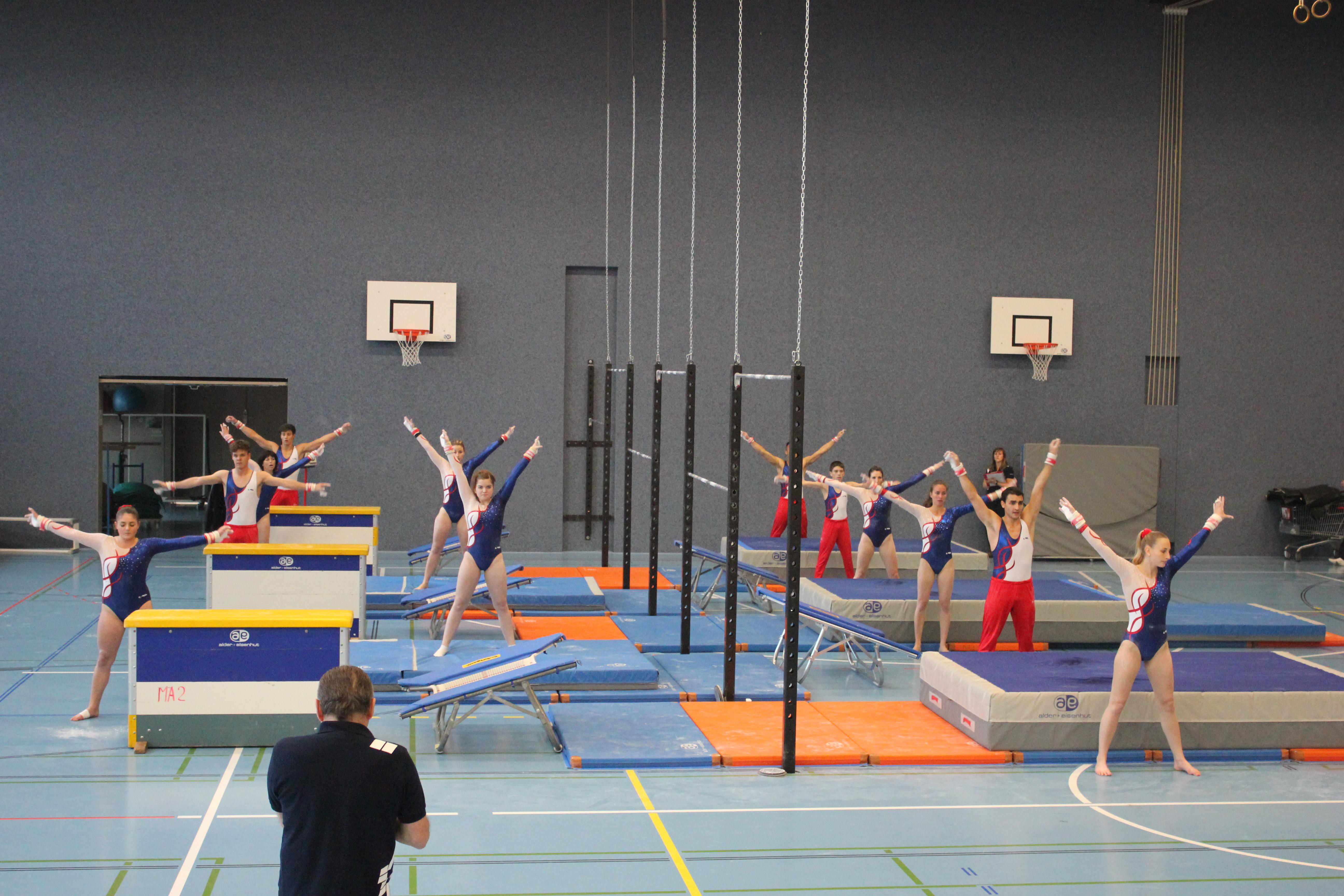 Les actifs placent la barre haut yverdon gym serri res for Barre fixe enfant
